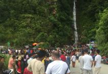 लमजुङका छहराले पर्यटक तान्दै
