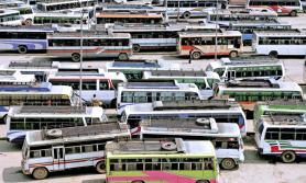 सार्वजनिक यातायातः 'न स्यानिटाइजर न दूरी, भाडा मात्र बढी'