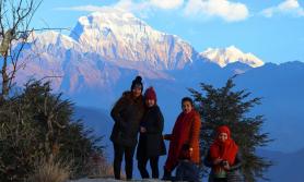 धम्जास्थित पर्यटकीयस्थल बेलढुङ्गामा आन्तरिक पर्यटक