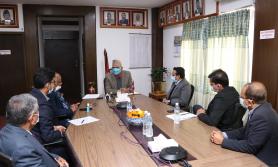 सरकार निजी क्षेत्रलाई साथ लिएर अघि बढ्छः अर्थमन्त्री पौडेल