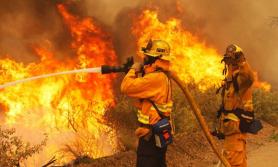 आगलागीबाट झापा र चितवनमा पाँच घर जलेर नष्ट
