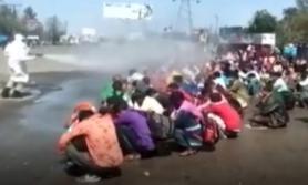 भारतमा गरिब मजदुरको समूहमाथि किटनाशक छर्किएपछि विवाद