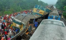 बंगलादेशमा ट्रेन दुर्घटना, १६ जनाको मृत्यु