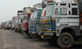 ट्रक व्यवसायीको चेतावनी- सेवा रोक्न बाध्य नपारियोस् !