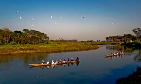 आन्तरिक उडान र निकुञ्ज खुलेसँगै सौराहाका पर्यटन व्यवसायी उत्साहित