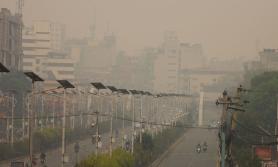 झ्यालबाट बाहिर नाक निकाल्न नहुने कडा वायु प्रदूषण