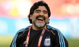 विश्व प्रसिद्ध फुटबलर म्याराडोनाको निधन