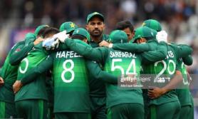 पाकिस्तानका १० क्रिकेटर्स कोरोना संक्रमित