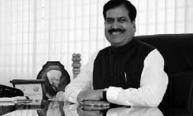 कोरोनाबाट भारतीय रेल राज्यमन्त्री अंगडीको मृत्यु