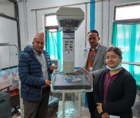 ज्योति विकास बैंकद्वारा बेनी अस्पताल र बुर्तिबाङ प्राथमिक स्वास्थ्य केन्द्रलाई बेबी वार्मर प्रदान