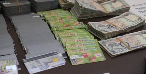 एटीएमबाट पैसा चोर्ने ५ चिनियाँ नागरिक पक्राउ, १ करोड २६ लाख बरामद