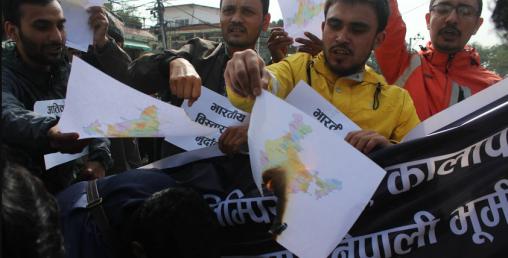 भारतीय दुताबास अगाडि भारतकाे नक्सा जलाइयाे