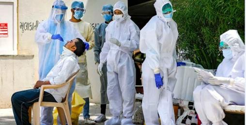 भारतमा कोरोनाले एकैदिन दुई हजारभन्दा बढीको मृत्यु, लगभग तीन लाख नयाँ संक्रमित थपिए