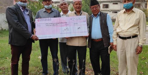 मुक्तिनाथ विकास बैंकले गर्यो दमौली खानेपानी संस्थालाई आर्थिक सहयोग