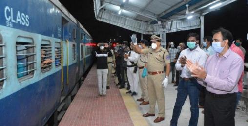 भारतमा सर्वसाधारणका लागि पनि रेलको टिकट खुल्ला