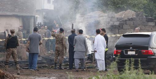 पाकिस्तानी सेनाको हवाईजहाज दुर्घटनामा ज्यान गुमाउनेको संख्या १८ पुग्यो