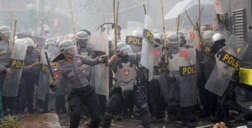 बिहेअघि यौन सम्बन्ध राख्न नदिने प्रस्तावित  कानुनले इन्डोनेशियामा  बबाल