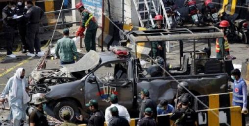 पाकिस्तानको लाहोरस्थित दाता दरबार दरगाह बाहिर भयंकर विष्फोट