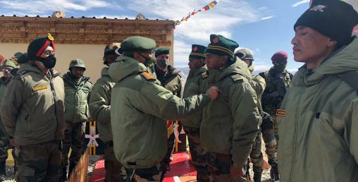 भारतीय सेनाका प्रमुख जनरल नरवणे लद्दाखमा, चिनियाँ सैनिककाे उपस्थिति बढ्यो