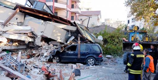 भूकम्पले घर भत्काएपछि नौ इन्जिनियर अधिकारको दुरूपयोग र ज्यान मार्ने उद्योगमा पक्राउ