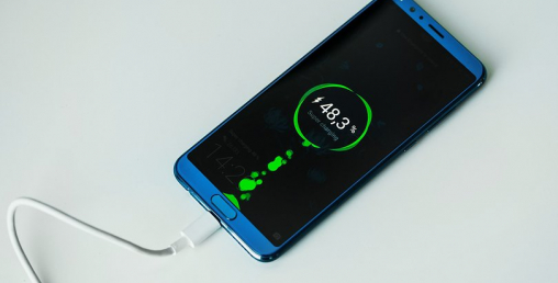 मोबाइल चार्ज गर्दा करेन्ट लागेर ६ वर्षीय बालकको ज्यान गयो