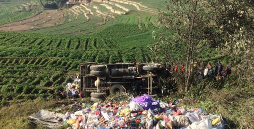 काठमाडौंमा फेरी टिपर दुर्घटना, दुईको मृत्यु
