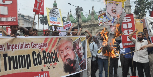 भारत भ्रमणमा रहेका ट्रम्प बिरूद्द दिल्लीमा प्रदर्शन, ५ जनाको मृत्यु