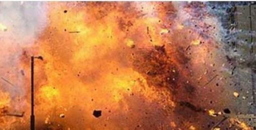 ग्यास सिलिण्डर पड्किँदा चार घर नष्ट