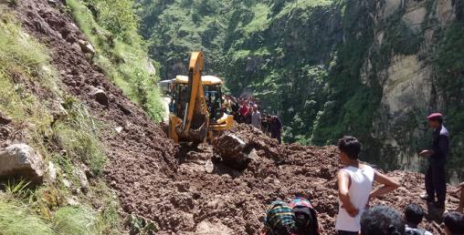 जथाभावी निर्माण गरिएका ग्रामीण सडकले कर्णाली राजमार्ग अस्तव्यस्त