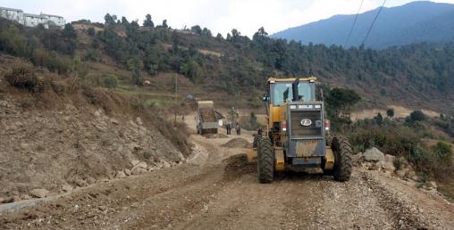 मध्यपहाडी लोकमार्गमा ४१ अर्ब खर्च हुँदा ४२ प्रतिशत काम