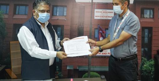 सेभ द चिल्ड्रनद्वारा एक करोड ७५ लाख रुपैयाँ बराबरको सात थान आईसीयू भेन्टिलेटर हस्तान्तरण