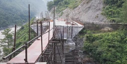 नारायणगढ–मुग्लिन सडकका पुल निर्माणले गति लियो