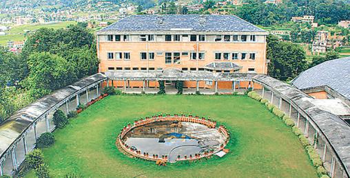 २१ दिनपछि काठमाडौं विश्वविद्यालयको ताला खुल्यो