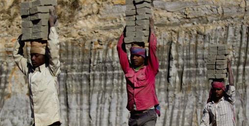भारतीय कामदारलाई पनि श्रमस्वीकृति माग