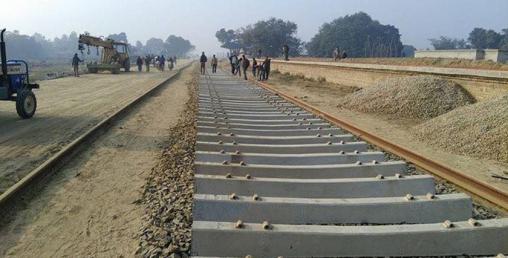 रेल उपकरण १० दिनपछि भारतबाट हिँड्ने