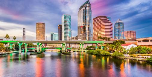 फ्लोरिडामा विषाक्त पानी चुहावटपछि आपतकालिन अबस्थाको घोषणा