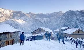सुदूरपश्चिममा हिमपात शुरु, जनजीवन प्रभावित