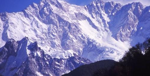 कञ्चनजंगा आरोहण गर्न गएका दुई पर्वतारोहीको मृत्यु