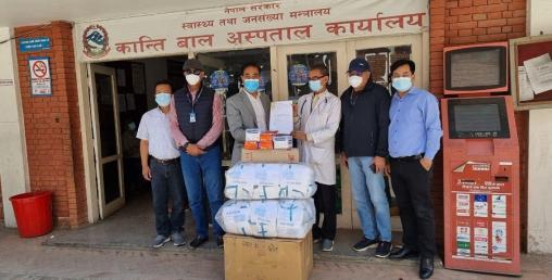 नेपाल चेम्बरद्वारा ६ सरकारी अस्पताललाई अत्यावश्यक स्वास्थ्य सामग्री वितरण