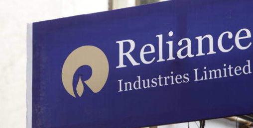 अर्बपतिको उद्योगमा काम गर्ने भारतीय कर्मचारीहरु पनि मालामाल