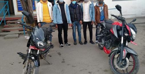 उपत्यकाका विभिन्न स्थानबाट मोटरसाइकल चोरी गर्ने ५ जना पक्राउ